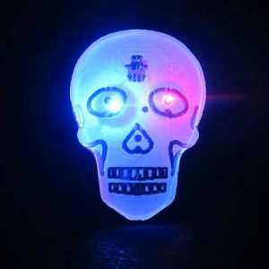 Light Up Skull Flashing Pin Body Light