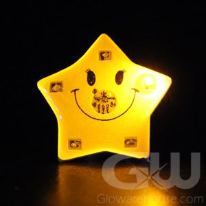 Smiley Star Party Favor Light Up Lapel Pins LED Body Light